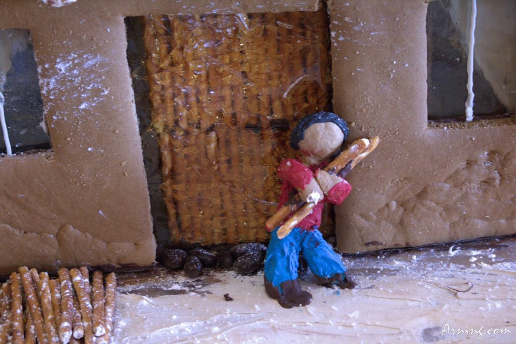 9th Annual Pueblo Gingerbread House Contest